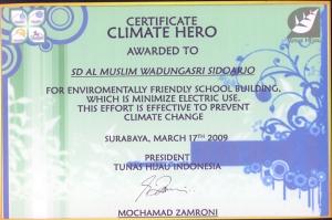 Sertifikat Climate Hero Award Dari LSM Tunas Hijau